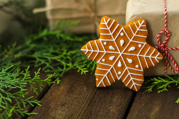Pan de jengibre. regalos y fiestas, navidad feliz año nuevo