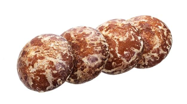 Pan de jengibre ruso tradicional aislado en blanco