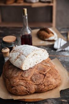 Pan en la mesa