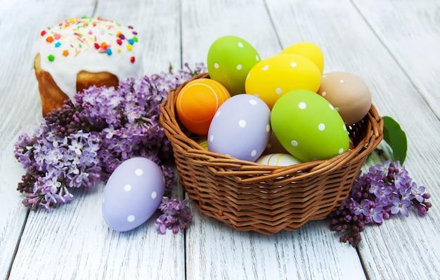 Pan de pascua y huevos