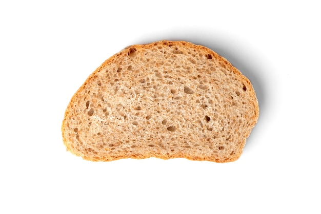 Pan de salvado aislado.