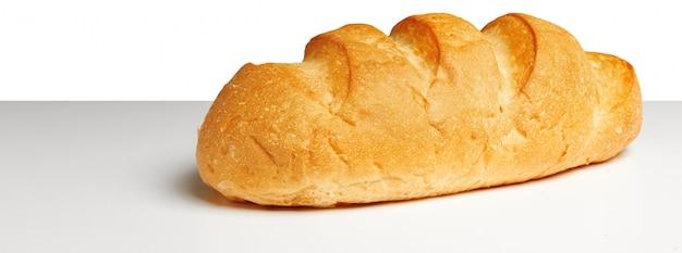 Pan sobre la mesa