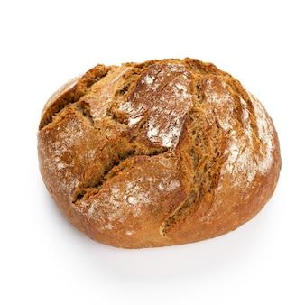 Panes de centeno eco sobre fondo blanco.