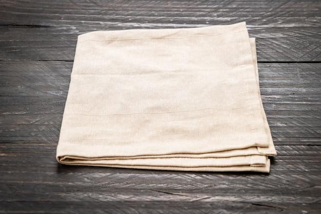 Paño de cocina (servilleta) sobre madera