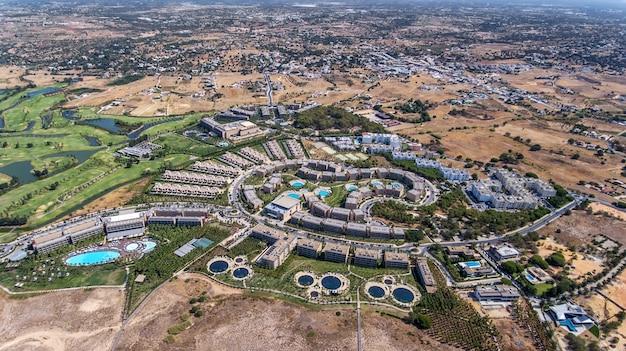 Panorama de la antena de albufeira en la región del algarve, portugal, hotel salgados