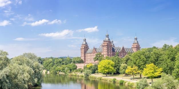 Panorama del palacio de johannisburg