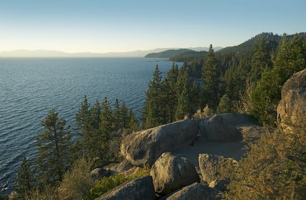 Panorama panorámico del lago tahoe
