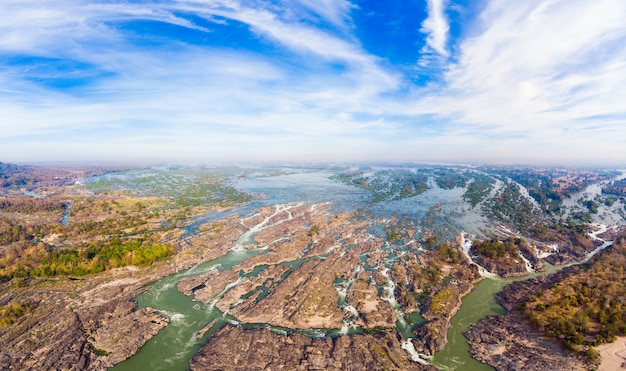 Panorámica aérea de 4000 islas del río mekong en laos.