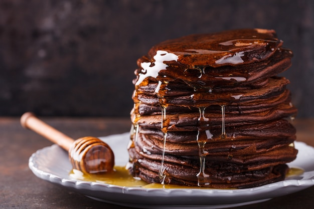 Panqueques de chocolate con miel