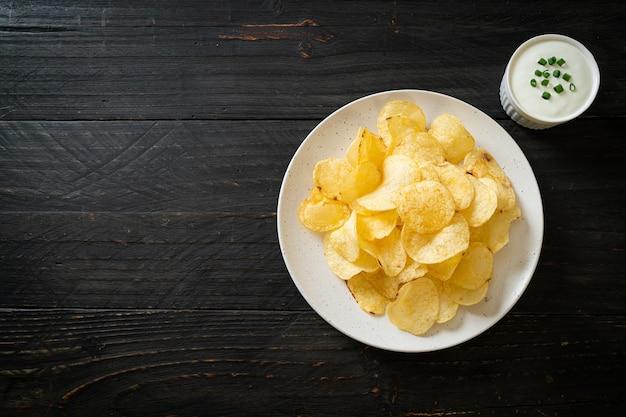 Papas fritas con salsa de crema agria