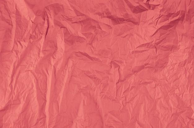 Papel arrugado rosa de primer plano