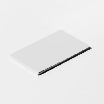 Papel blanco minimalista y limpio para material de oficina
