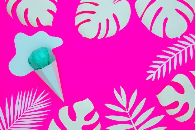 Papel helado y hojas
