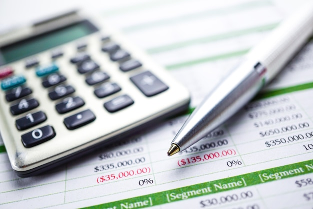 Papel de hoja de cálculo calculadora, gráficos y gráficos. finanzas, cuenta, estadísticas y negocios