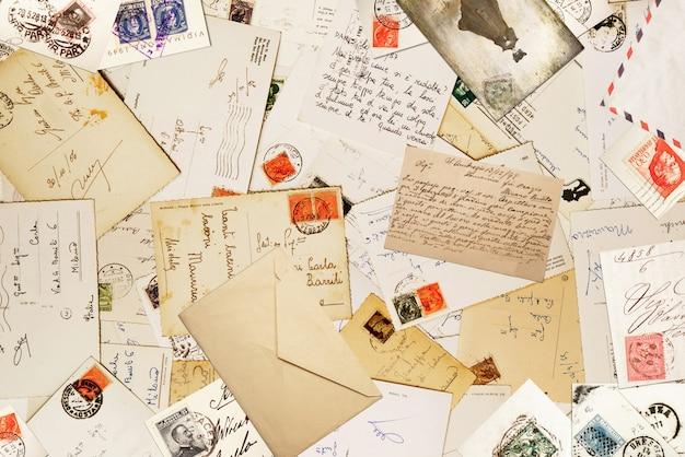 Papel de la vendimia para el fondo de la correspondencia