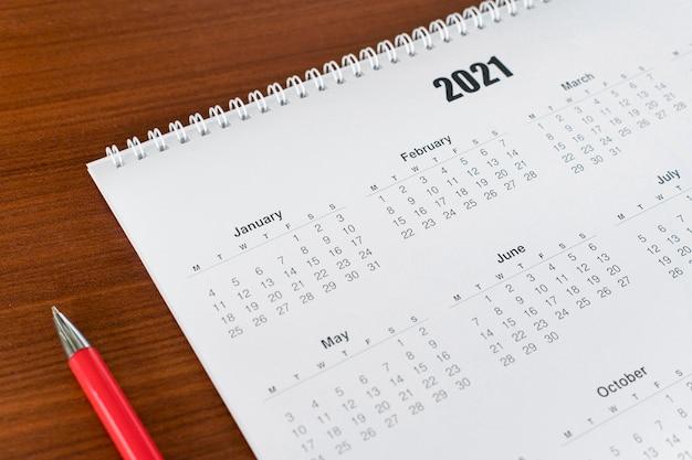 Papelería de alta vista calendario 2021