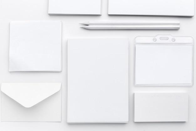 Papelería en blanco maqueta para empresas
