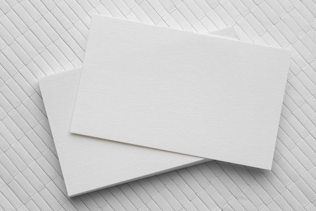 Papelería corporativa tarjetas de visita en blanco.