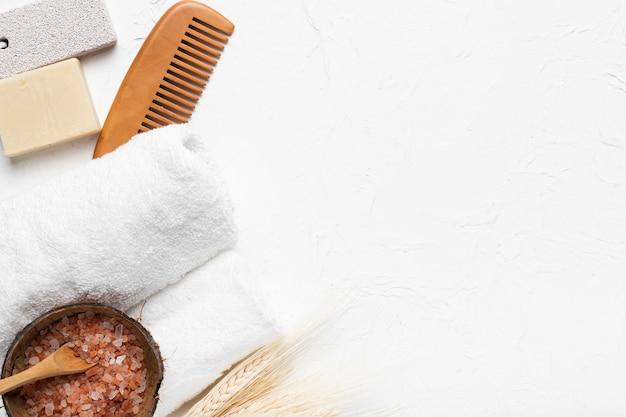 Paquete de concepto de cuidado de la piel y spa de baño