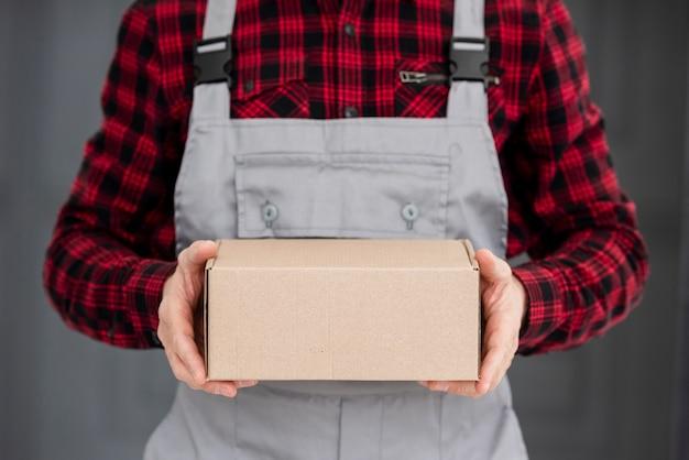 Paquete de entrega en primer plano
