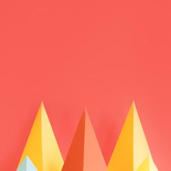 Paquete de papel colorido triángulo con espacio de copia