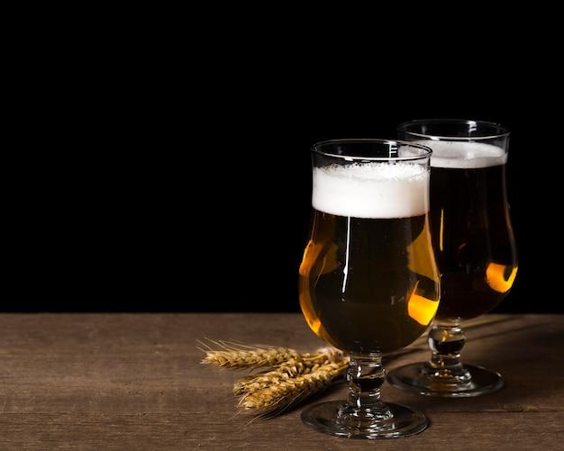 Paquete de vidrio con cerveza