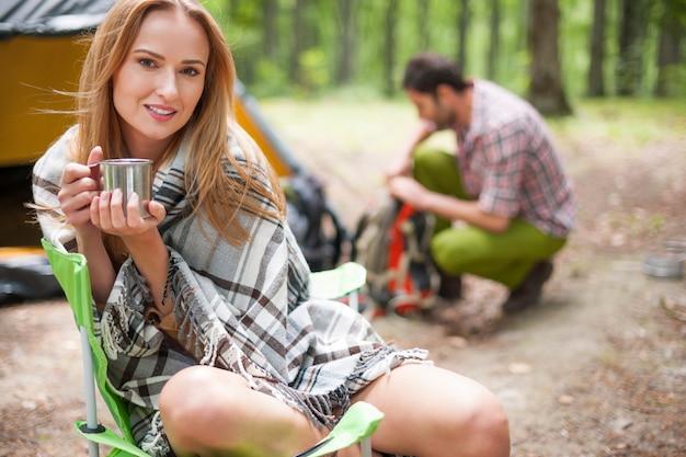 Par acampar en el bosque