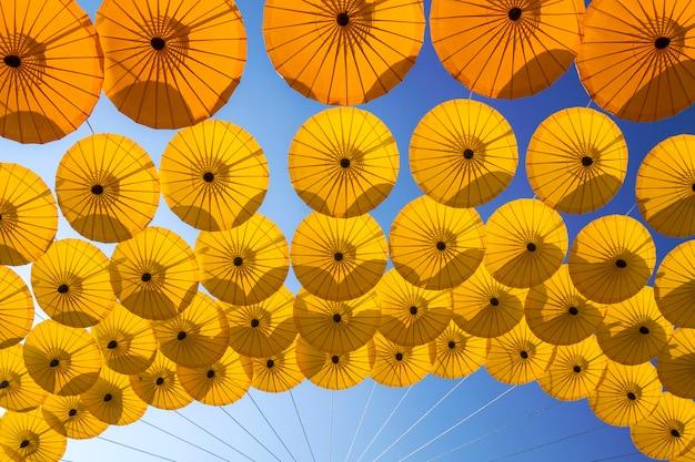 Paraguas antiguo del norte de tailandia
