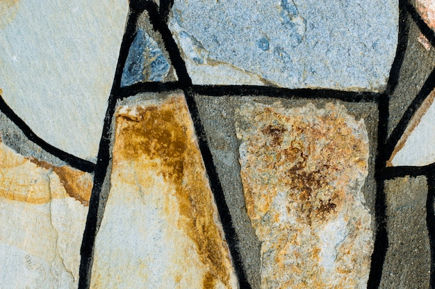 Pared con grandes piedras de mosaico