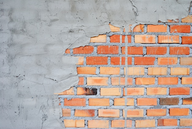 Pared de ladrillo de arcilla utilizada para trabajos de construcción