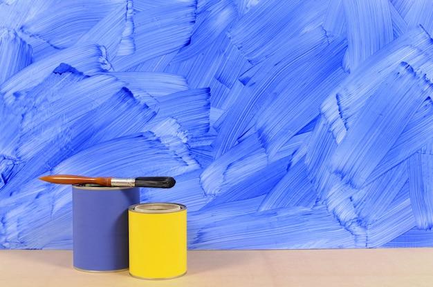 Pared pintada azul