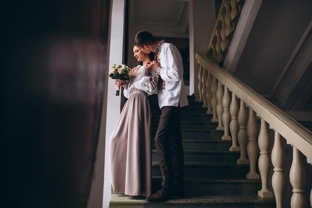 Pareja de compromiso de boda