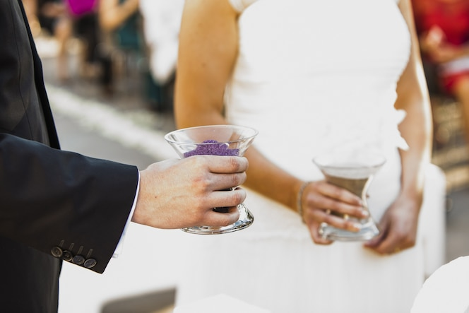 Pareja de recién casados después de su boda.