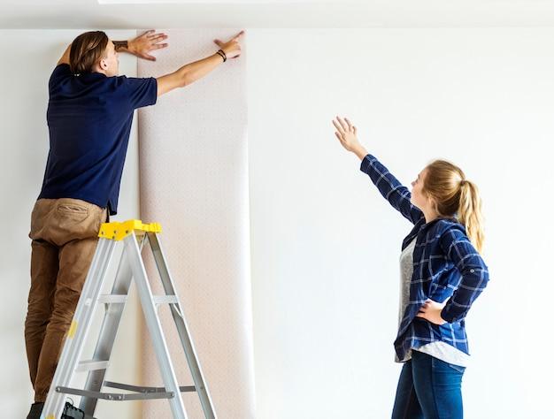 Pareja elegir casa wallpaper