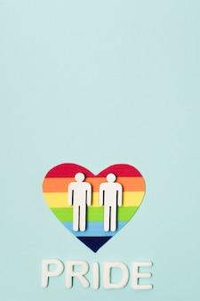 Pareja gay del mismo sexo en un corazón