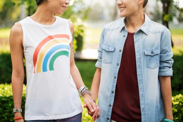 Pareja de lesbianas asiáticas lgbt