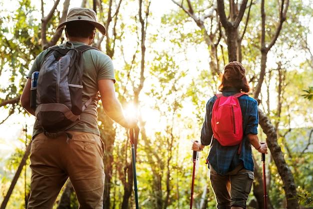 Pareja, trekking, juntos