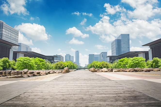 Parque en el centro financiero de lujiazui, shanghai, china