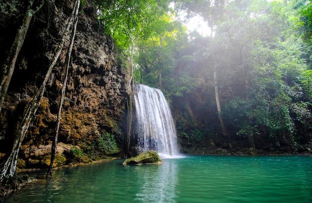 Parque nacional erawan en kanchanaburi