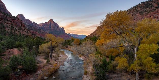 Parque nacional en otoño