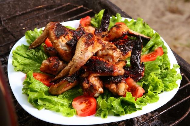 Parrilla fresca de pollo a la barbacoa