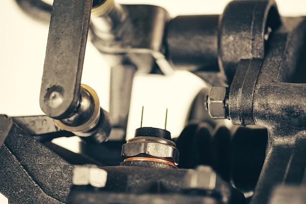 Parte del complejo mecanismo es el primer plano. mecanismo vintage. dispositivo retro