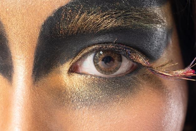 Parte del cuerpo ojo con pestañas close up maquillaje de moda