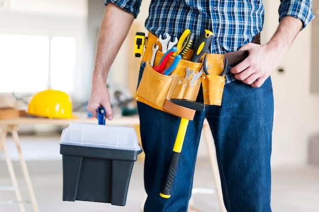 Parte del trabajador de la construcción masculino