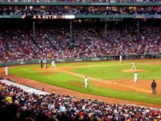 Partido de béisbol fenway park, boston, escenario