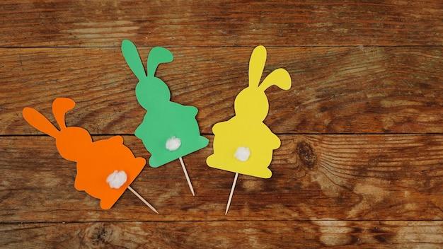 Pascua hecha a mano. decoración hecha a mano para las vacaciones.