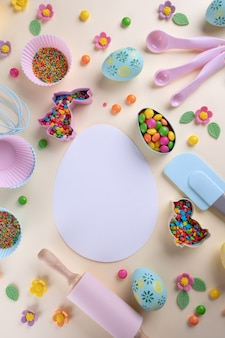 Pascua para hornear y utensilios de cocina. vista superior plana, maqueta para receta