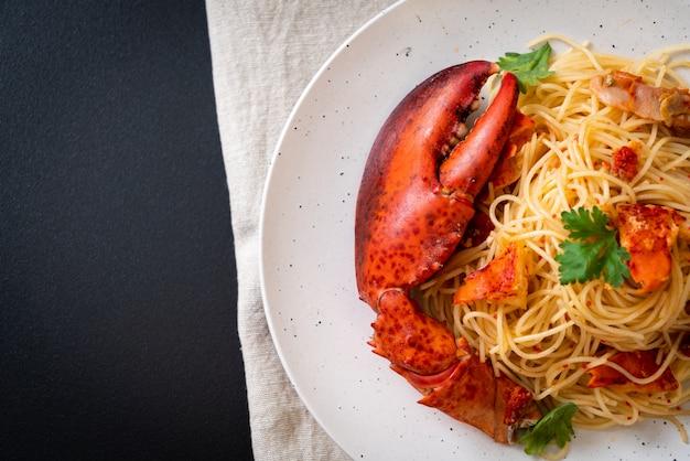 Pasta all'astice o espaguetis de langosta