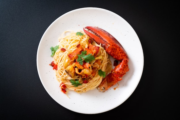 Pasta all'astice o langosta spaghetti