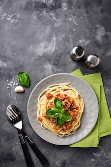 Pasta boloñesa. espaguetis con salsa de carne